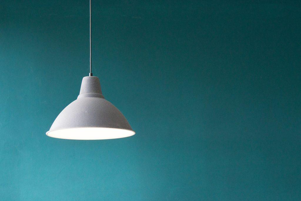 Accrocher lampe